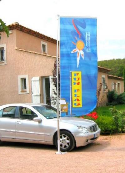 drapeau-mat-publicite-plv-telesco